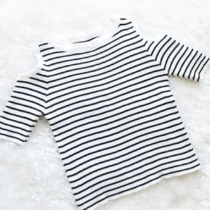 Tops - LAST DAY Striped ribbed cold shoulder crop top